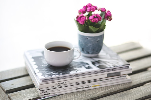 coffee-cup-stack-break